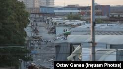 Deși milioane de români au trecut pragul Complexului Europa și s-au îmbrăcat cu haine de aici, puțini știu povestea incredibilă a locului, scriu jurnaliștii de la Hotnews