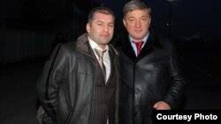 Ризван Курбанов (справа) с осужденным за организацию преступного сообщества дагестанским депутатом-единороссом Магомедом Магомедовым