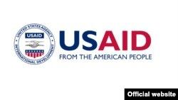 Символ Агентства США по международному развитию, через которое поступает гуманитарная помощь