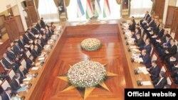 Совместное заседание узбекско-таджикской межправительственной комиссии по вопросам делимитации и демаркации государственной границы. Фергана, 24 февраля 2018 года.