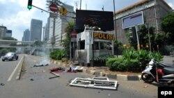 На месте теракта в Джакарте 14 января 2016 года