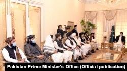 هیئت گروه طالبان حین دیدار با عمران خان صدراعظم پاکستان در اسلام آباد. December 18, 2020