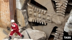 Строительство тоннеля метро в Москве