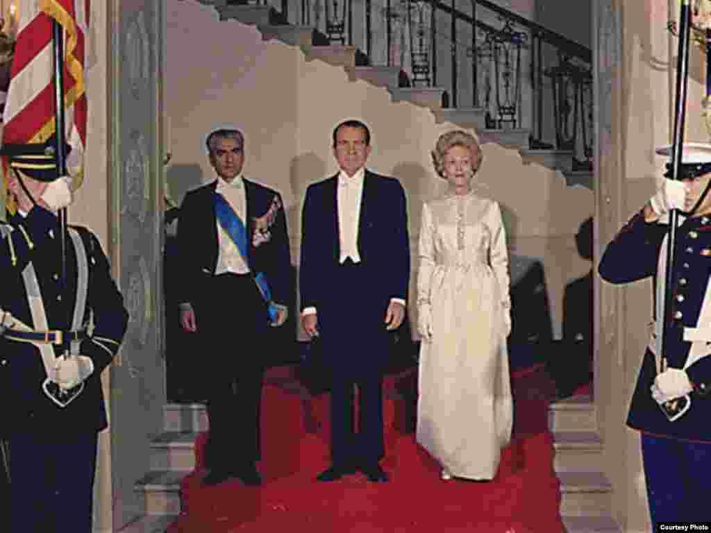 همراه ریچارد نیکسون،رئیسجمهوری پیشین آمریکا