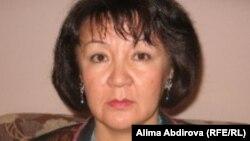 Алима Абдирова, правозащитник и журналист. Фото накануне вынесения приговора. Актобе, 31 августа 2011 года.