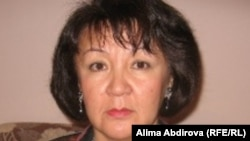 «Ару ана» ұйымының директоры Әлима Әбдірова. Ақтөбе, 31 тамыз 2011 жыл.