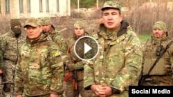 Mikheil Saakashvili hərbi təlimlər zamanı