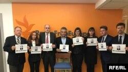 Співробітники офісу Радіо Свобода у Вашингтоні приєдналися до акції на підтримку Асєєва