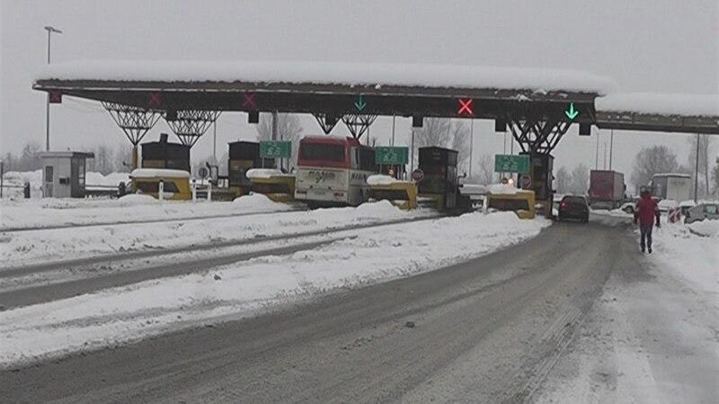 Забрани за камиони на Стража  Маврово и Ѓавато