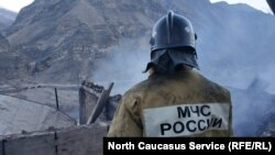Сотрудник МЧС России, архивное фото