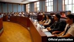 Студенты в учебном заведении в Узбекистане. Иллюстративное фото.