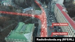 Затор, який виник на вулиці Грушевського 15 грудня через часткове перекриття руху для проїзду кортежу прем'єр-міністра