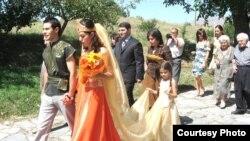 Ամուսնություն Գառնիում հեթանոսական ծեսով, արխիվային լուսանկար