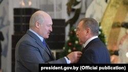 Президент Білорусі Олександр Лукашенко та міністр закордонних справ Білорусі Володимир Макей, січень 2018 року
