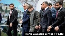 Глава Чечни Рамзан Кадыров, полпред президента в СКФО Александр Матовников на Дне города в Грозном, 5 октября 2018 года