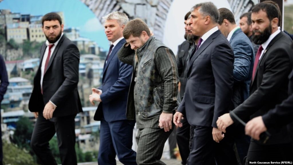 Bildergebnis für карьерном росте Кадырова