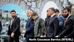 Рамзан Кадыров и полпред президента в СКФО Александр Матовников на Дне города в Грозном, 5 октября 2018 года