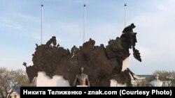 Памятник Путину в Курганской области до открытия