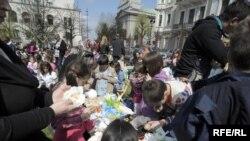 Pripreme za proslavu Uskrsa u Beogradu - Veliki petak, Fotografije: Vesna Anđić