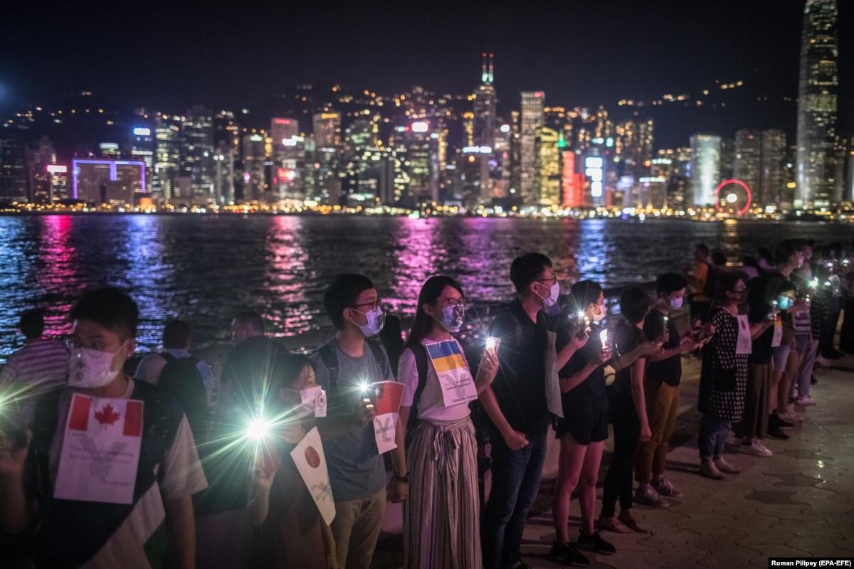 В Гонконге устроили «живые цепи» на 30-летие «Балтийского пути»