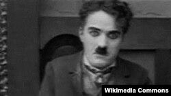 Чарли Чаплин, американский актер.