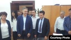 Кандидатите за пратеници од опозицијата ги доставуваат до Собранието своите оставки.