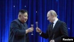 Liderul nord-coreean Kim Jong Un la recenta întîlnire cu președintele rus Vladimir Putin