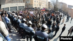 Armenia - Pro-opposition students demonstrate outside a university building in Yerevan against official results of the February 18 presidential election, 25Feb2013.