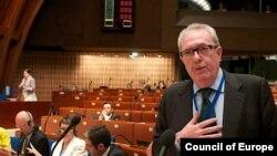 Педро Аграмунт на сессии Парламентской ассамблеи Совета Европы.