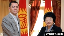 Kyrgyz President Roza Otunbaeva (right) has tasked Respublika leader Omurbek Babanov to form a coalition.