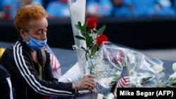زنی در مراسم یادبود بیستمین سالگرد حملات ۱۱ سپتامبر در نیویورک