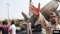 هواپیما پس از بلند شدن از باند مهرآباد سقوط کرده است