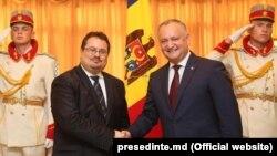 Șeful delegației UE Peter Michalko cu președintele Igor Dodon, 2017