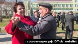 Ольга Солодилова на городских гуляниях по случаю «присоединения» Крыма. Керчь, 18 марта 2020 года