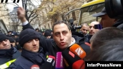Giorgi Vashadze (center), the leader of opposition New Georgia party, was among those arrested. (file photo)