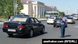 Türkmenistanda ýol polisiýasy