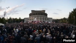 Armenia -- The trio of political forces holding a rally in Liberty Square, Yerevan, 10Oct2014