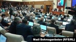 Первое пленарное заседание мажилиса парламента шестого созыва. Астана, 25 марта 2016 года.