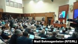В парламенте Казахстана.