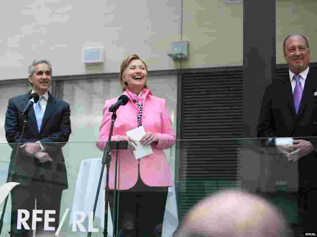 Хиллари Клинтон на Радио Свобода в Праге