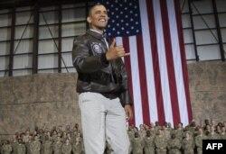 Барак Обама несколько раз посещал крупную американскую военную базу в Баграме