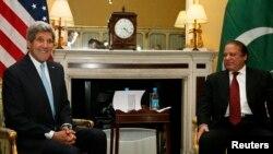 Sekretari amerikan John Kerry dhe presidenti i Pakistanit, Nawaz Sharif