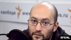 Илья Азар