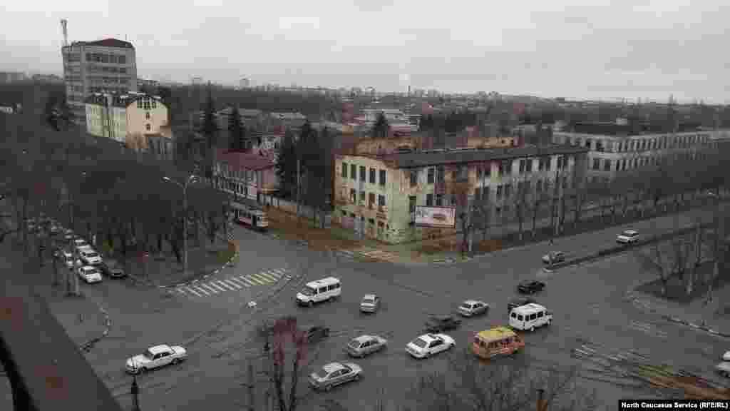 Владикавказдың әр шетіне тарамданған трамвай желісінің жалпы ұзындығы 2003 жылдың басында 27,8 шақырымды құрайтын