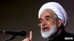 مهدی کروبی، از رهبران مخالفان دولت در ايران،