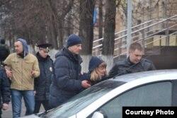 """Задержание руководителя томского штаба Навального после акции """"Он нам не царь"""" 5 мая 2018 года"""
