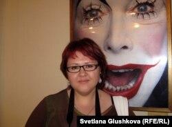 Нина Мальцева, посетительница выставки Эрвина Олафа. Астана, 14 мая 2012 года.