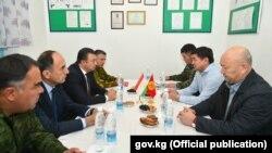 Қырғызстан мен Тәжікстан премьер-министрлері шекарадағы жағдайды талқылап жатыр. 17 қыркүйек 2019 жыл.