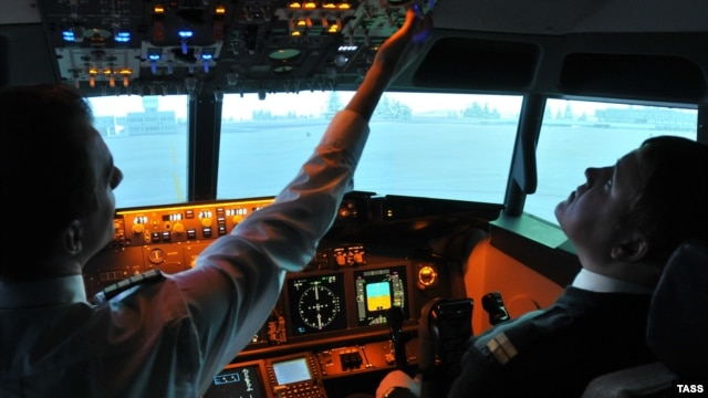 После авиакатастрофы в Казани в России начались проверки системы подготовки пилотов