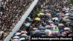 Pamja nga protestat në Hong Kong.